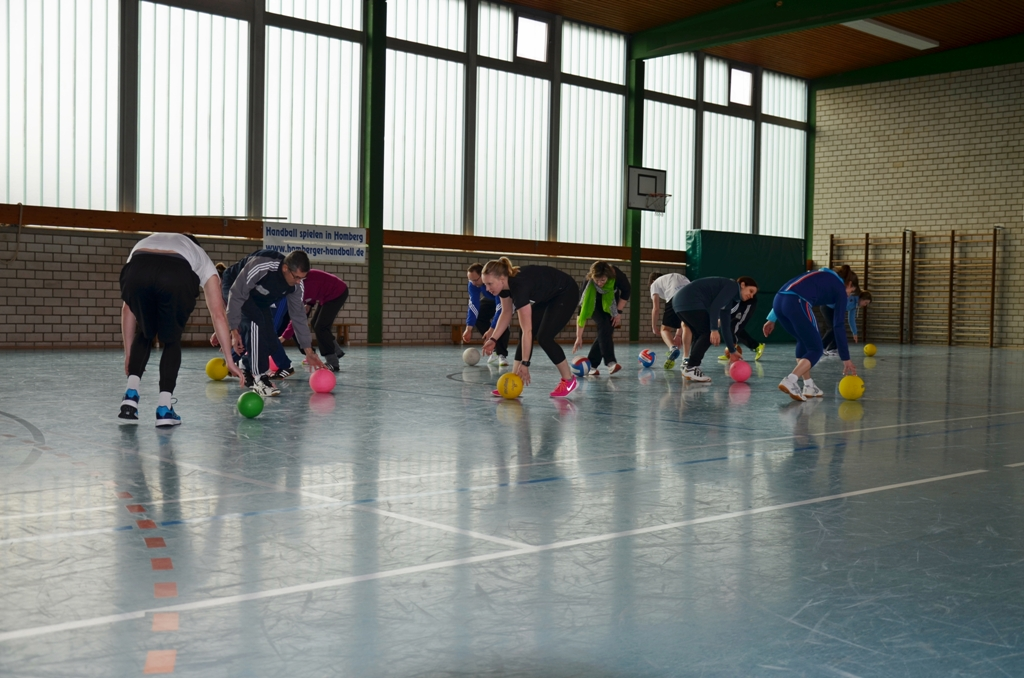 Praxis-Ballspiel-verkleinert.JPG